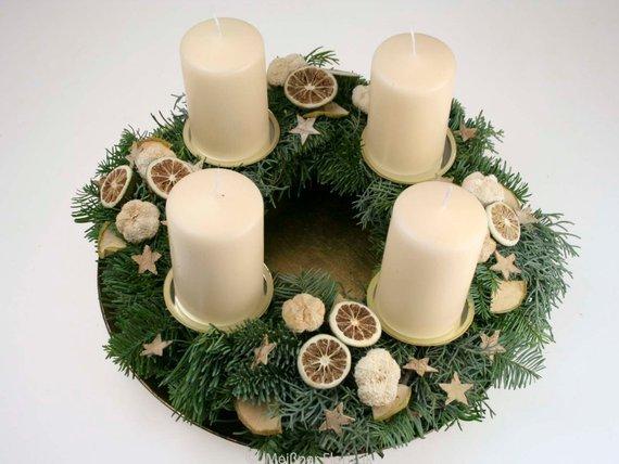 frischer adventskranz creme natur meissner floristik. Black Bedroom Furniture Sets. Home Design Ideas